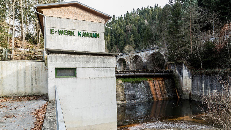 Foto der Außenansicht des Kraftwerks Neudörfl