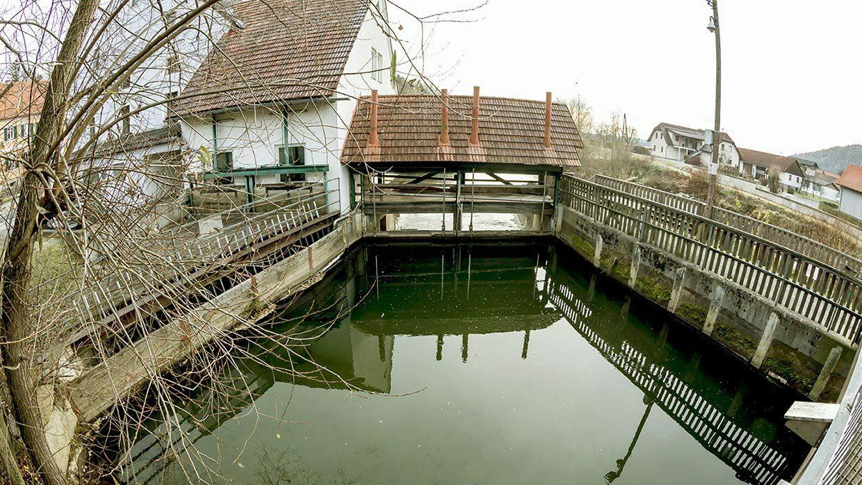 Foto der Wehranlage des Kraftwerks St. Johann
